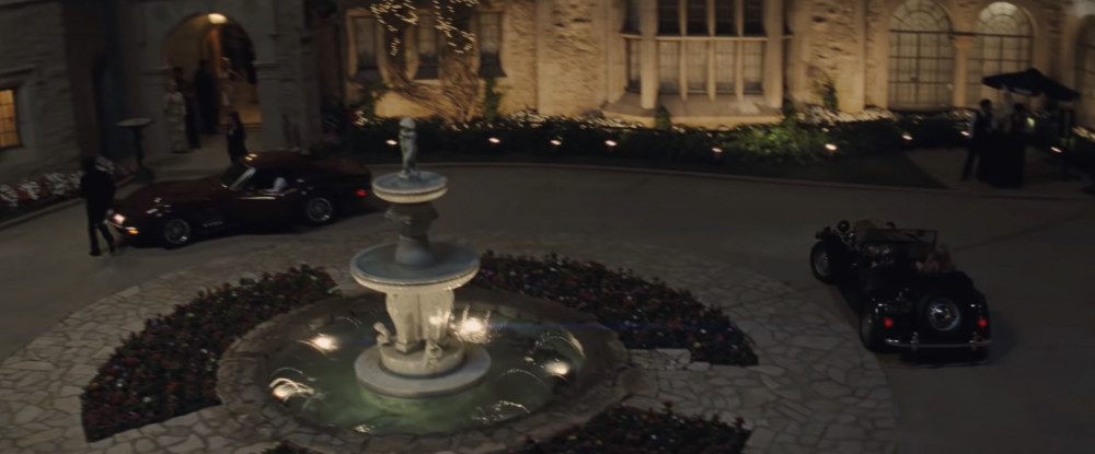 Playboy Mansion was filmed in real Playboy Mansion (photo: Sony Pictures)