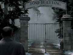 The gate to the Fond De L'etang Internat